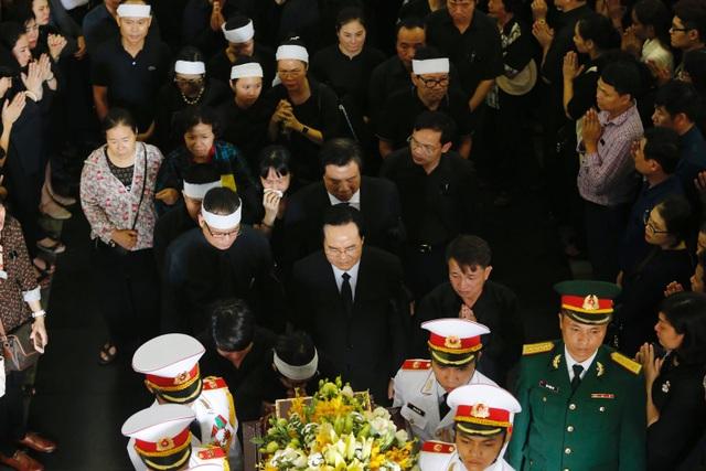 Hàng nghìn người thương tiếc đưa tiễn Thứ trưởng Lê Hải An về nơi an nghỉ cuối cùng - 3
