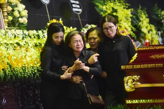 Hàng nghìn người thương tiếc đưa tiễn Thứ trưởng Lê Hải An về nơi an nghỉ cuối cùng - 7