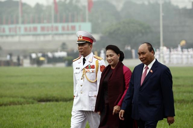 Lãnh đạo Đảng và Nhà nước vào Lăng viếng Chủ tịch Hồ Chí Minh - 6