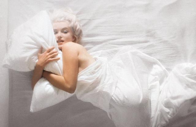 """Nhiếp ảnh gia kể về nỗi """"khó xử"""" khi chụp hình Marilyn Monroe khỏa thân - 7"""
