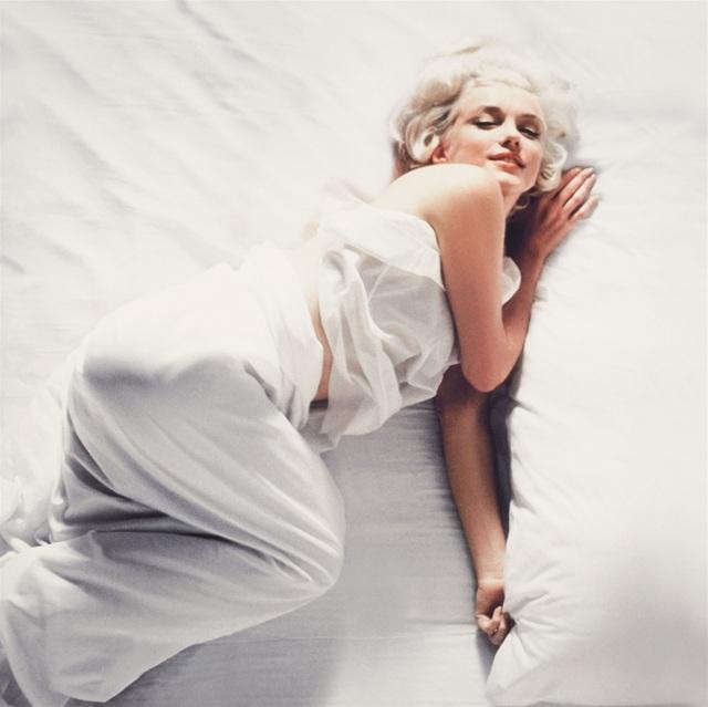 """Nhiếp ảnh gia kể về nỗi """"khó xử"""" khi chụp hình Marilyn Monroe khỏa thân - 9"""