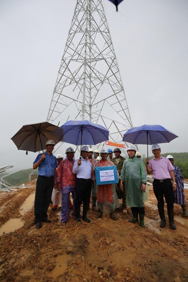 Các nhà thầu xây lắp đảm bảo tiến độ thi công các dự án đường dây 500 kV mạch 3 được ghi nhận - 1