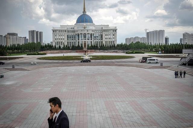 Vì sao Trung Á ngày càng lo sợ các khoản đầu tư từ Trung Quốc? - 1