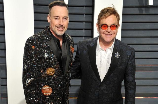 Bạn đời đồng giới của Elton John phải cai nghiện rượu vì quá cô đơn và áp lực - 1
