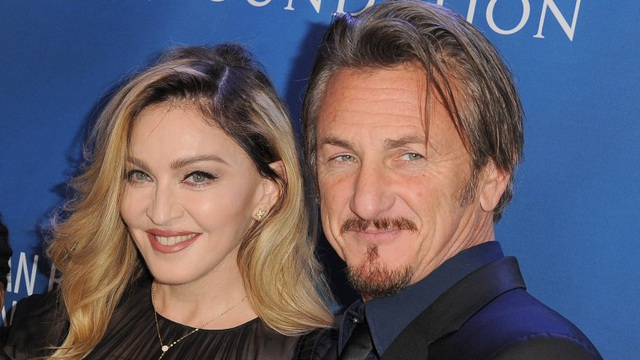 Nam diễn viên 59 tuổi Sean Penn đưa bạn gái kém 32 tuổi ra phố - 6