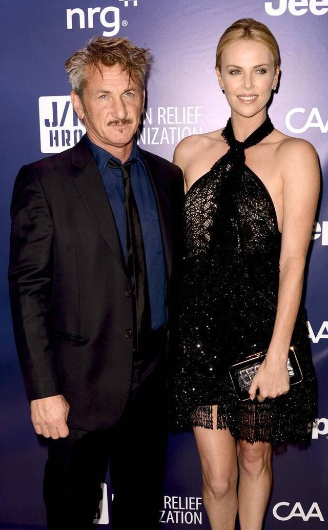 Nam diễn viên 59 tuổi Sean Penn đưa bạn gái kém 32 tuổi ra phố - 8
