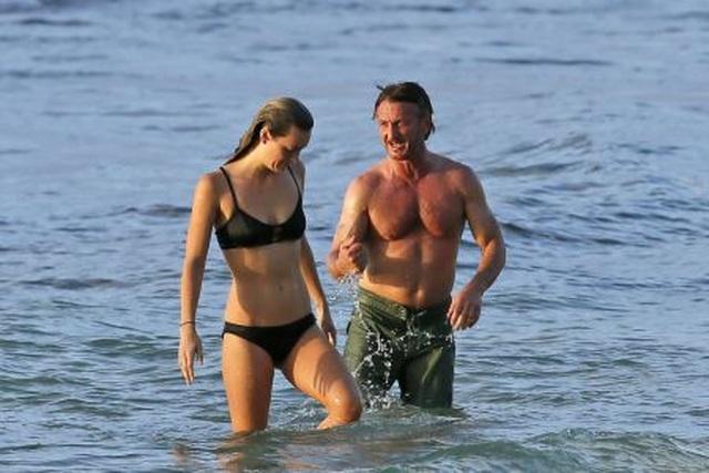 Nam diễn viên 59 tuổi Sean Penn đưa bạn gái kém 32 tuổi ra phố - 5
