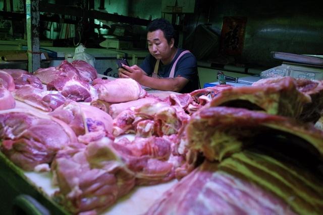 Trung Quốc khủng hoảng thịt lợn nghiêm trọng, người dân chuyển sang ăn thịt chó - 1