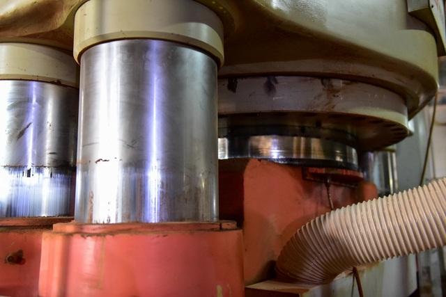 Cận cảnh kho chứa dầu thải của công ty gốm sứ Thanh Hà - 10
