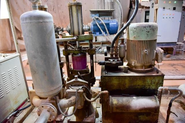Cận cảnh kho chứa dầu thải của công ty gốm sứ Thanh Hà - 13