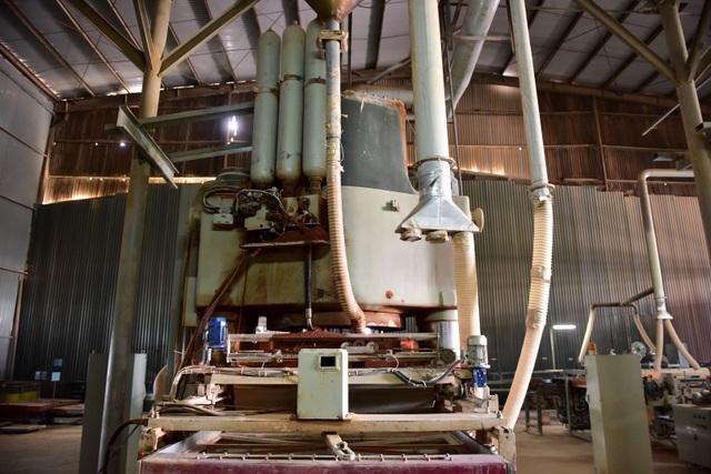 Cận cảnh kho chứa dầu thải của công ty gốm sứ Thanh Hà - 9