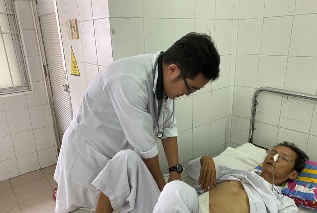 Cứu sống bệnh nhân bị xuất huyết không cần phẫu thuật - 1