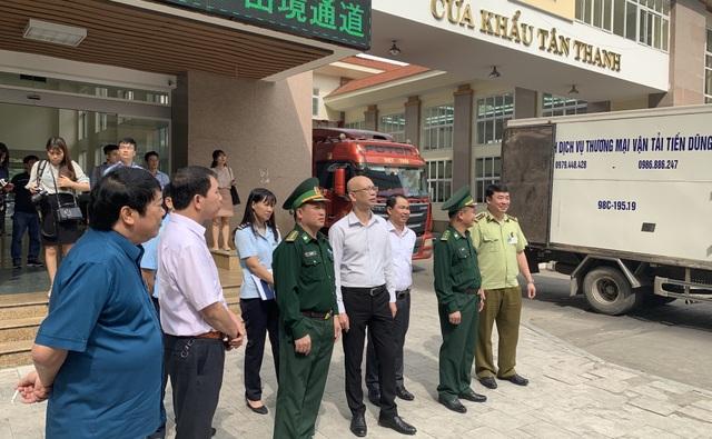 """470 container ùn ứ: Trung Quốc thêm """"khó tính"""", nông sản Việt điêu đứng - 1"""