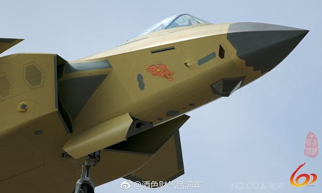 """Trung Quốc bị nghi """"nhái"""" máy bay chiến đấu """"tia chớp"""" F-35 của Mỹ - 1"""