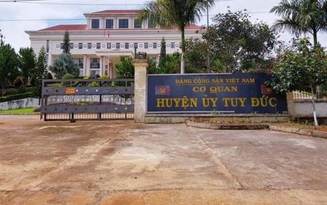 Chánh Văn phòng Huyện ủy đánh tài xế cơ quan nhập viện - 1