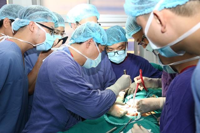 Phẫu thuật cứu người đàn ông 7 năm mắc chứng bất lực, trên bảo dưới không nghe - 1