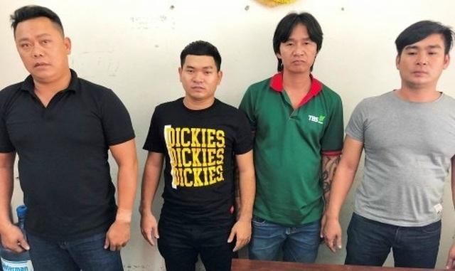 Côn đồ đập phá nhà hàng ở Đà Nẵng: Vì nhân viên không kịp phục vụ? - 1