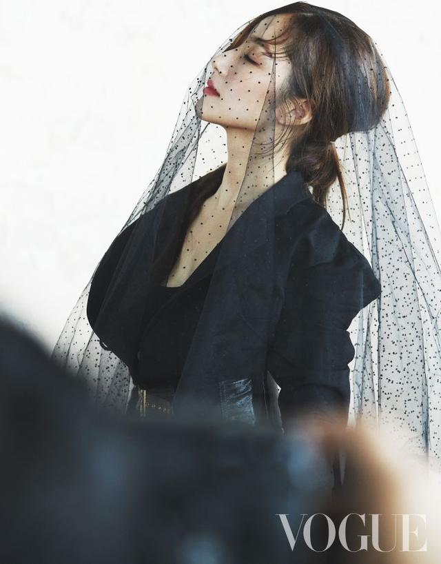 """Vẻ đẹp hoàn hảo của """"nữ hoàng dao kéo"""" Park Min Young - 4"""
