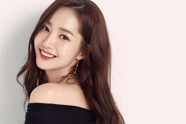 """Vẻ đẹp hoàn hảo của """"nữ hoàng dao kéo"""" Park Min Young - 3"""