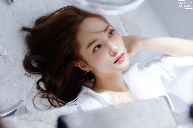 """Vẻ đẹp hoàn hảo của """"nữ hoàng dao kéo"""" Park Min Young - 2"""