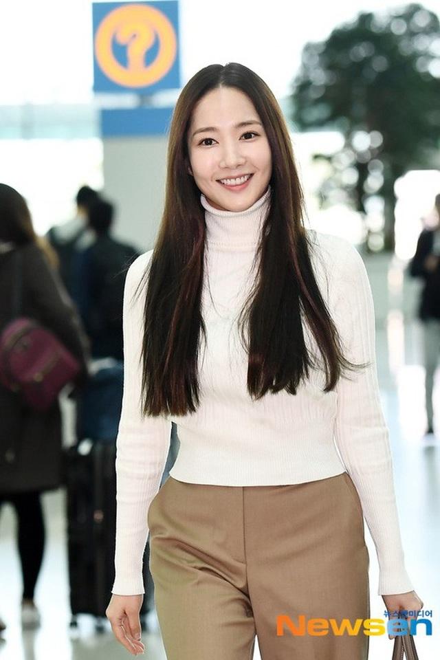 """Vẻ đẹp hoàn hảo của """"nữ hoàng dao kéo"""" Park Min Young - 11"""
