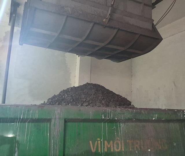 """Kinh hoàng gần 4000m3 chất thải nguy hại được """"phù phép"""" trắng trợn tại Bắc Giang - 2"""