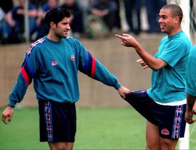 """Huyền thoại Figo tha thứ cho Ronaldo béo vì đã """"dòm ngó"""" vợ mình - 2"""
