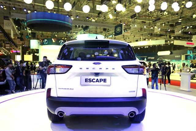 Sự xuất hiện bí hiểm của Ford Escape tại Triển lãm ôtô Việt Nam 2019 - 4