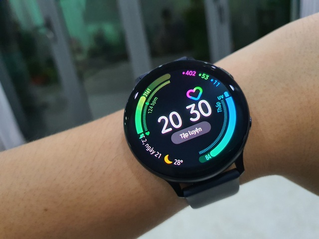 Đánh giá Samsung Galaxy Watch Active 2 - 3