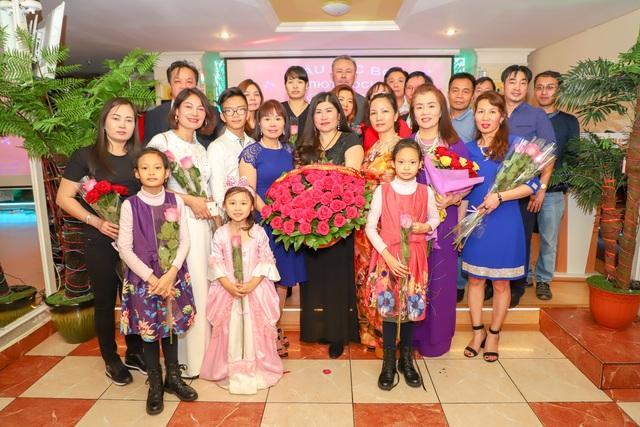 Ấm cúng lễ kỷ niệm ngày Phụ nữ Việt Nam của người Việt tại Nga - 1