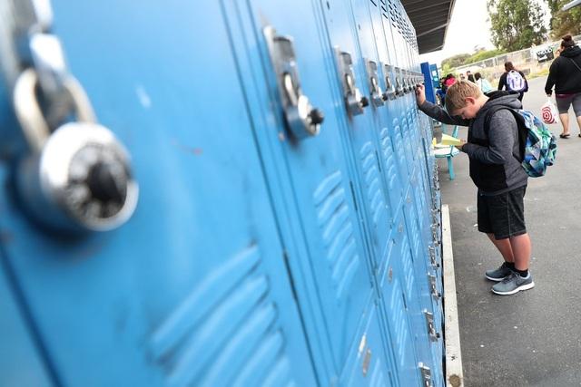 Mỹ: Trường học lùi giờ vào lớp để học sinh ngủ đủ giấc - 1