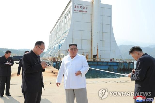 Ông Kim Jong-un thị sát khu nghỉ dưỡng, chỉ trích sự phụ thuộc vào nước ngoài - 3