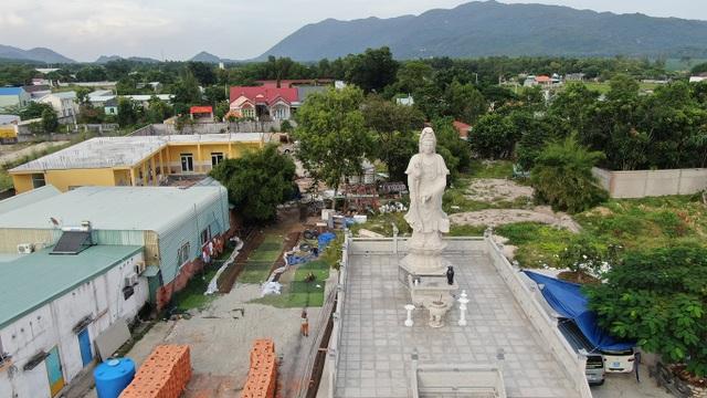 200 đứa trẻ họ Hồ lớn lên trong vòng tay của thầy trụ trì chùa Hồng Quang - 9