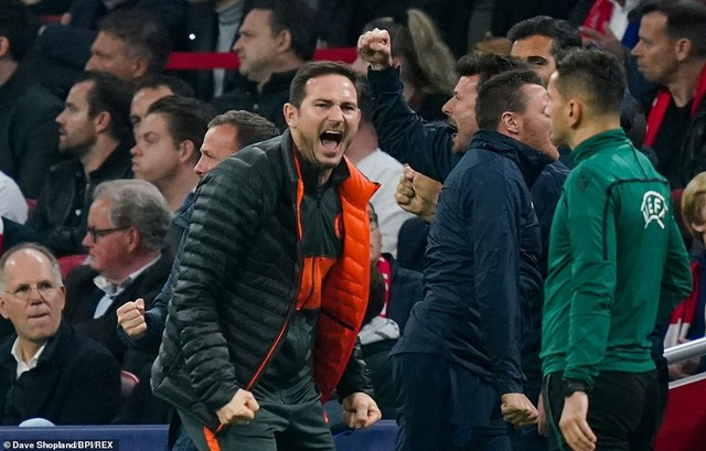 """""""Kép phụ"""" Batshuayi tỏa sáng đưa Chelsea vượt qua Ajax - 3"""