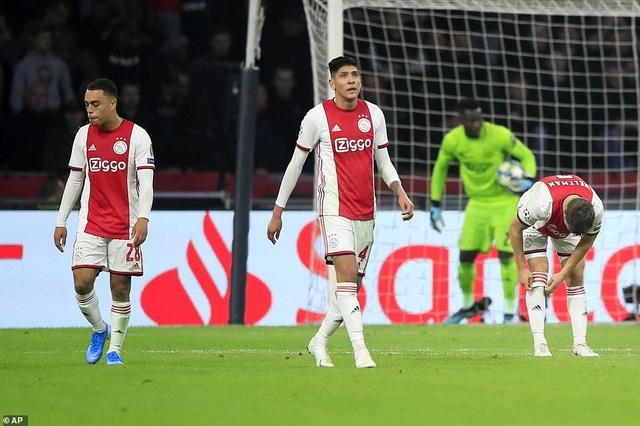 """""""Kép phụ"""" Batshuayi tỏa sáng đưa Chelsea vượt qua Ajax - 4"""