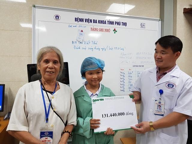 Vượt qua tử thần nơi bệnh viện, 2 bà cháu mạnh tay giúp đỡ hoàn cảnh khó khăn - 5