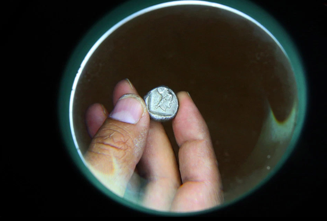 Tìm thấy kho báu bí ẩn của thành phố Hy Lạp cổ 1.600 năm trước - 4