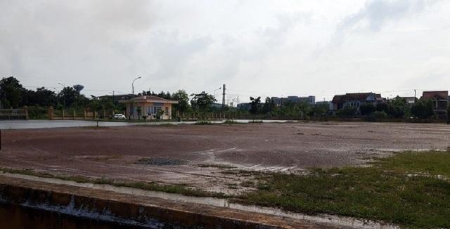 """Bến xe hơn 14 tỷ đồng ở phía Nam thành phố Quảng Trị """"vắng như chùa bà đanh""""! - 4"""