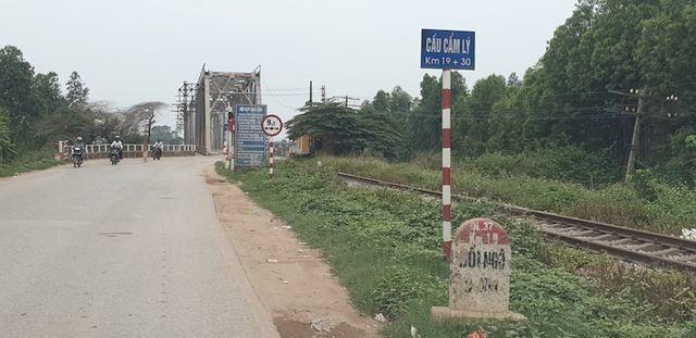 """Chi hơn 10 tỷ sửa chữa, cắm biển hạn chế trọng tải trên cây cầu """"độc nhất vô nhị"""" tại Bắc Giang - 1"""