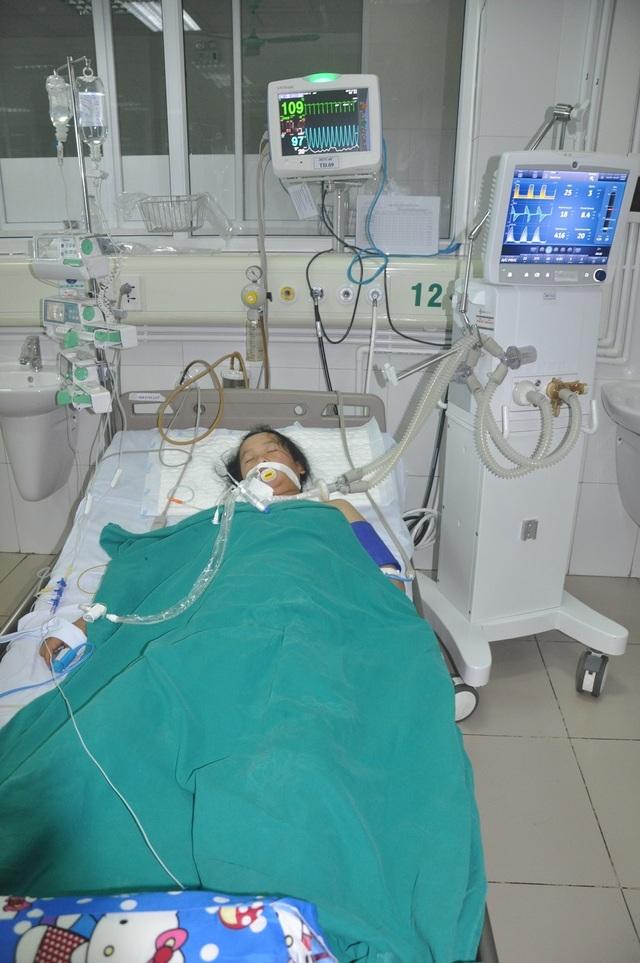 Sản phụ nguy kịch từ Mù Cang Chải về Hà Nội nhập viện có 500 nghìn đồng - 1
