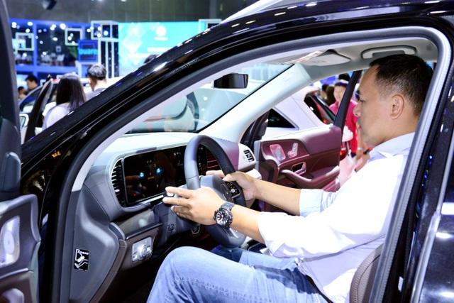 Mercedes-Benz Việt Nam giới thiệu hai xe mới tại Triển lãm Ô tô Việt Nam 2019 - 4