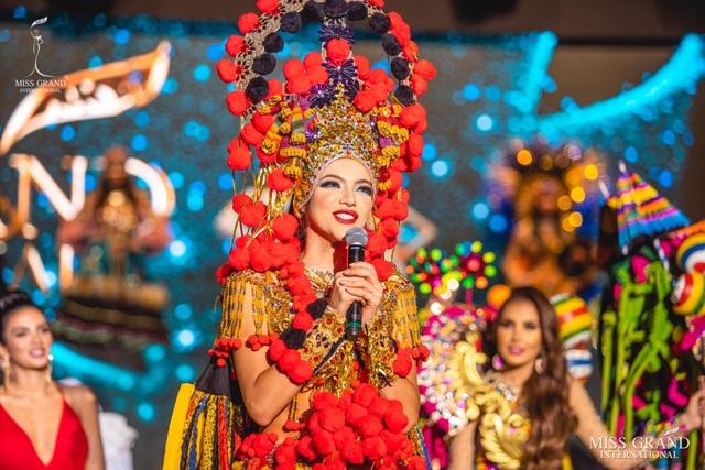 Việt Nam lọt top 20 bộ trang phục dân tộc đẹp nhất Hoa hậu hoà bình quốc tế 2019 - 9