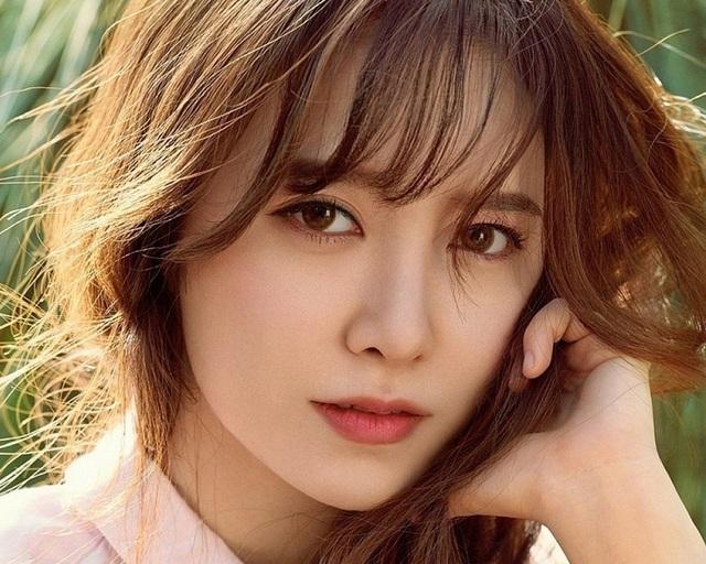 Xót xa nghe Goo Hye Sun tiết lộ lý do trì hoãn ly hôn - 1