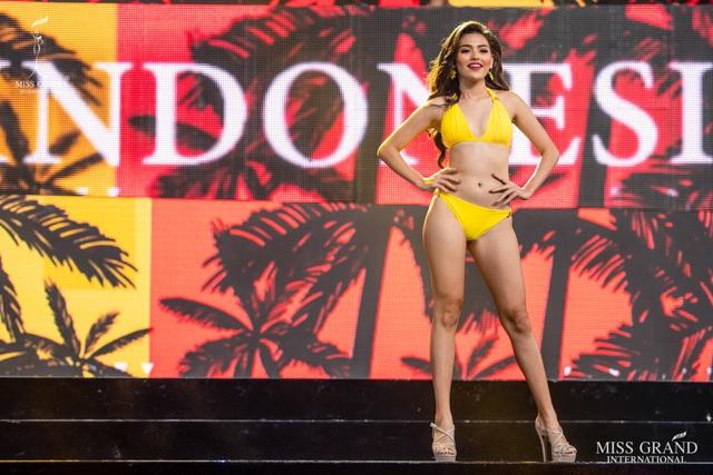 Ngắm dàn thí sinh Hoa hậu hoà bình quốc tế 2019 bốc lửa với áo tắm - 22