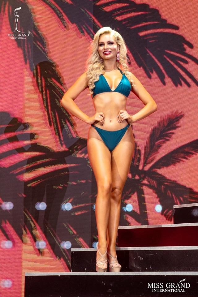 Ngắm dàn thí sinh Hoa hậu hoà bình quốc tế 2019 bốc lửa với áo tắm - 34