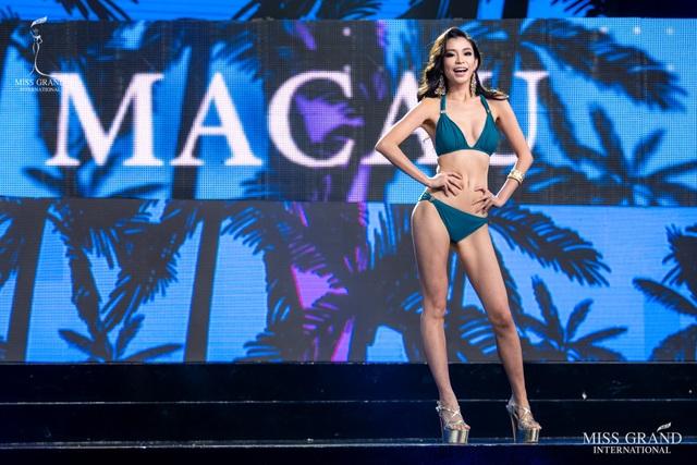 Ngắm dàn thí sinh Hoa hậu hoà bình quốc tế 2019 bốc lửa với áo tắm - 14