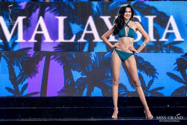 Ngắm dàn thí sinh Hoa hậu hoà bình quốc tế 2019 bốc lửa với áo tắm - 15