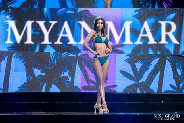 Ngắm dàn thí sinh Hoa hậu hoà bình quốc tế 2019 bốc lửa với áo tắm - 16