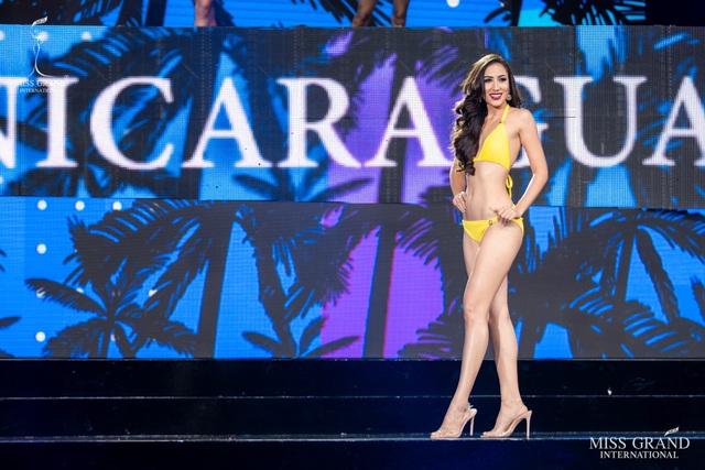 Ngắm dàn thí sinh Hoa hậu hoà bình quốc tế 2019 bốc lửa với áo tắm - 19