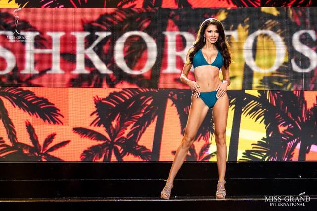 Ngắm dàn thí sinh Hoa hậu hoà bình quốc tế 2019 bốc lửa với áo tắm - 3